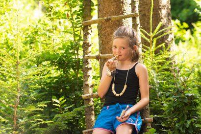 Naturkind_waldpädagogik mit Karin Angerer - in Aufham Bayern - Chiemgau in der Nähe von Salzburg - Raum Traunstein Naturkind und Waldpädagogik - lernen im Wald