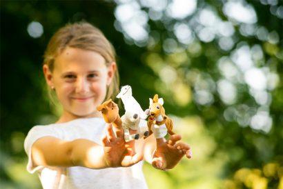 Naturkind_waldpädagogik mit Karin Angerer - in Aufham Bayern - Chiemgau in der Nähe von Salzburg - Raum Traunstein Naturkind und Waldpädagogik Basteln und Spielen im Wald