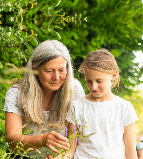 Naturkind_waldpädagogik mit Karin Angerer - in Aufham Bayern - Chiemgau in der Nähe von Salzburg - Raum Traunstein